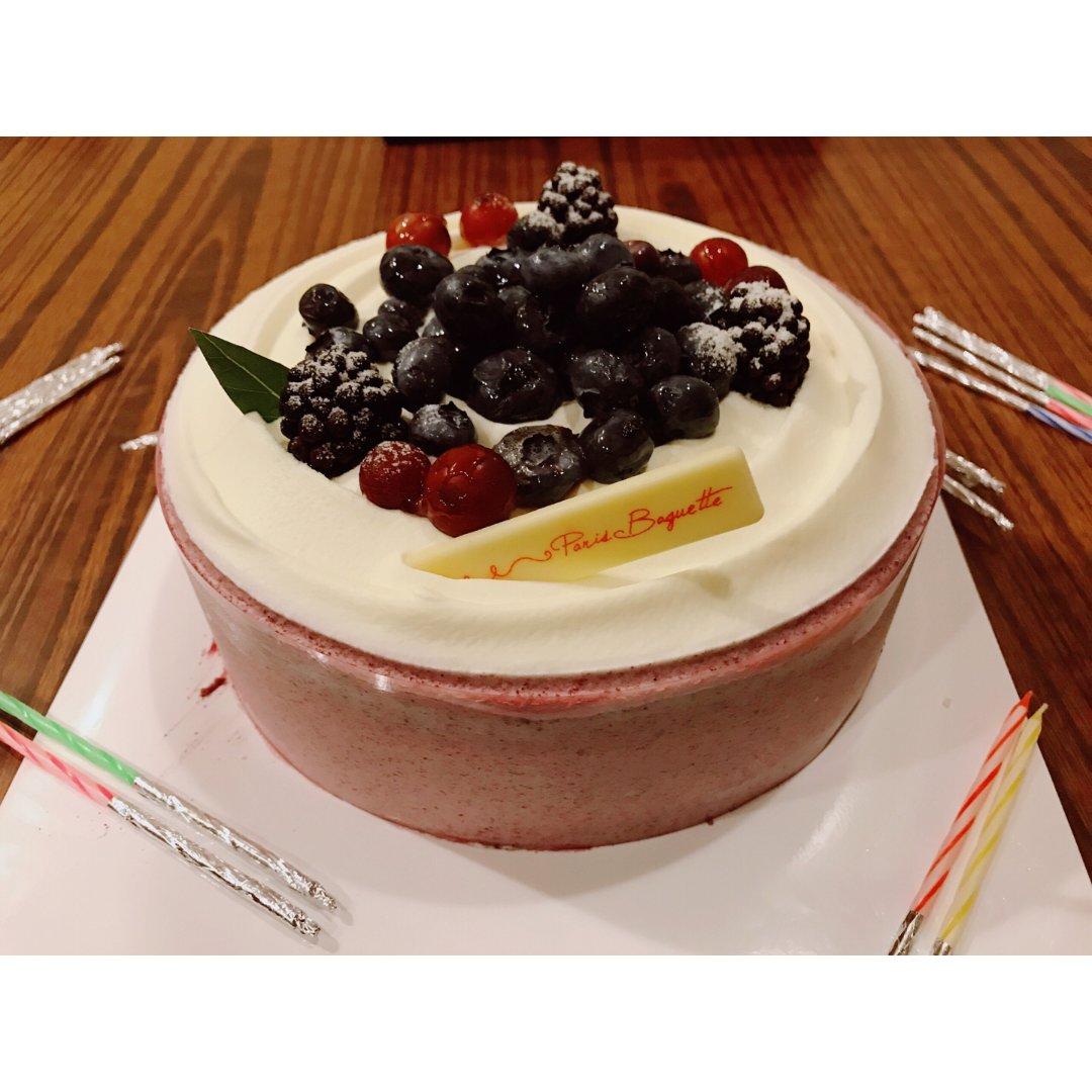 🍰吃货推荐#❤️巴黎贝甜家的蛋糕真...