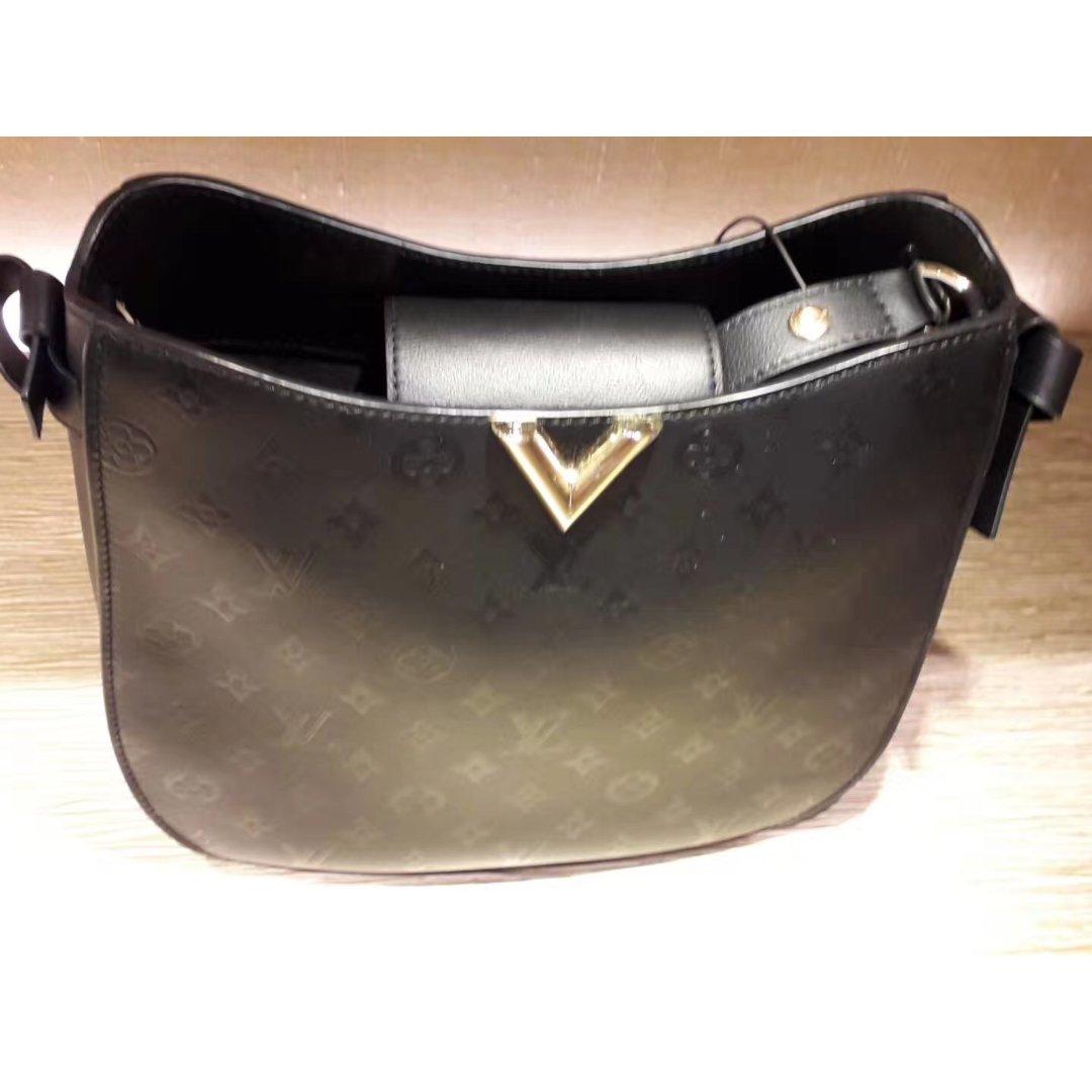新货入荷,Louis Vuitton 路易·威登