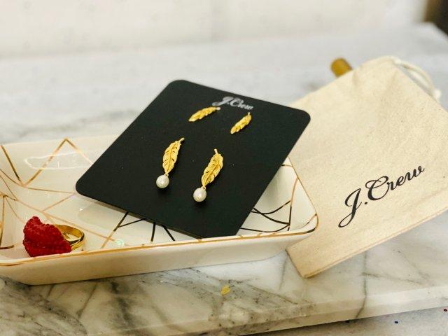 J.Crew节日限定礼物 金树叶耳环