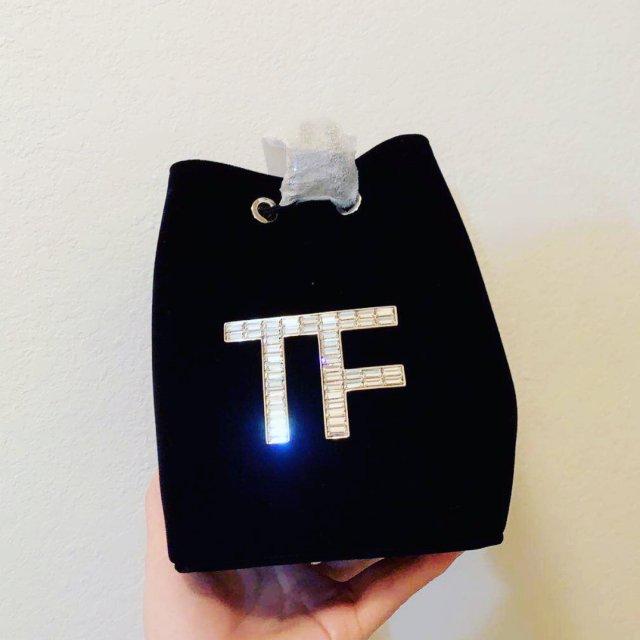 TF黑丝绒小水桶