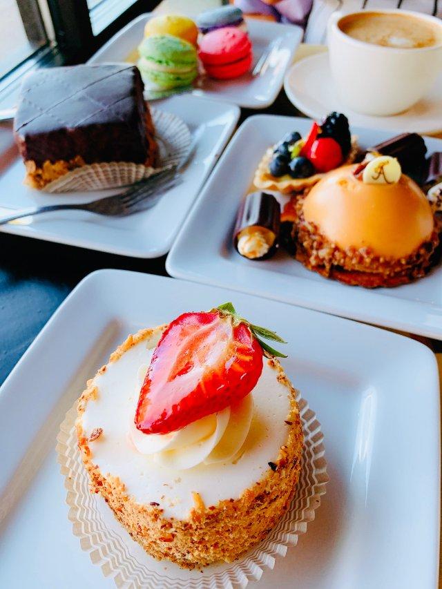 法式浪漫风情的甜品店