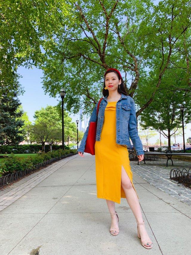 亮色裙➕牛仔外套,轻松打造欧美范