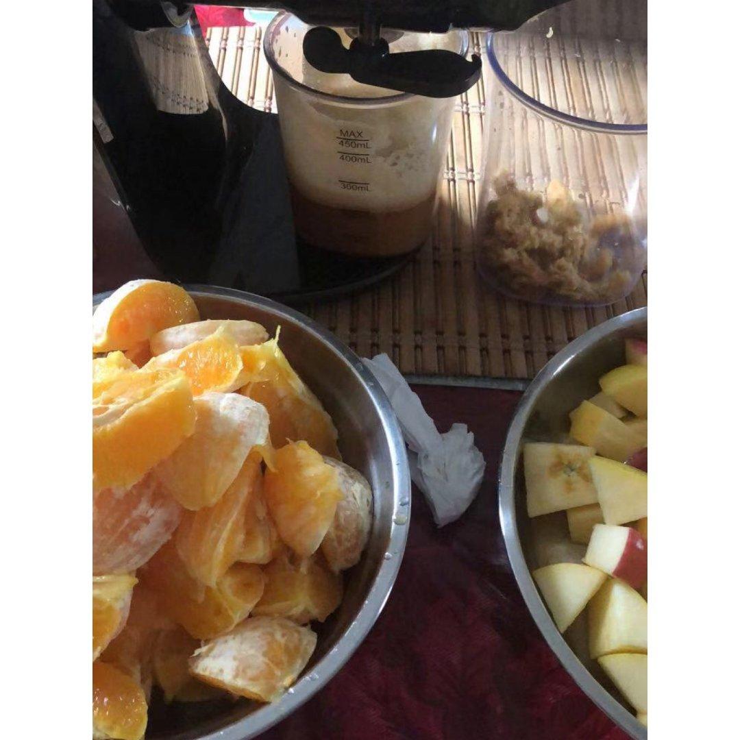 不浪费:吃不完的水果榨成果汁