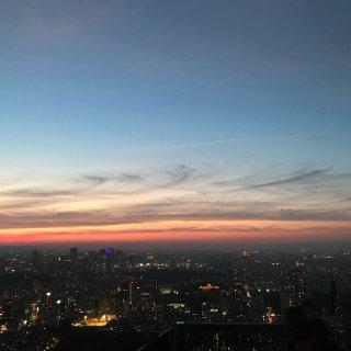 六本木之丘 日落下的东京一景...