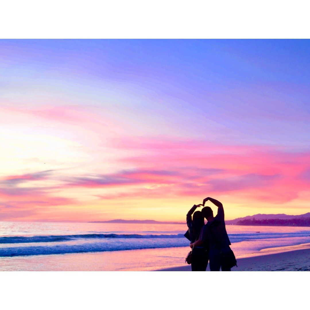七夕   一起漫步海边看最美的日落...