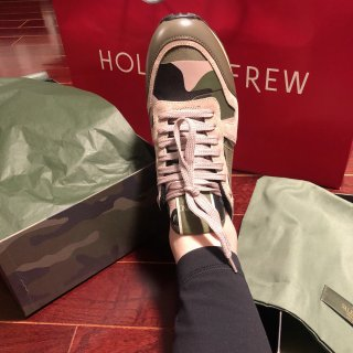 Holt Renfrew 今年打折的鞋子...