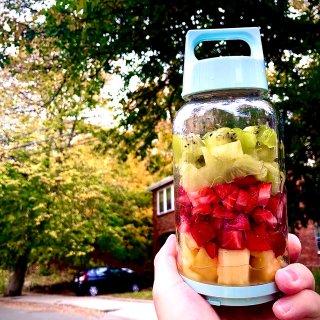 放在背包里的果汁机...