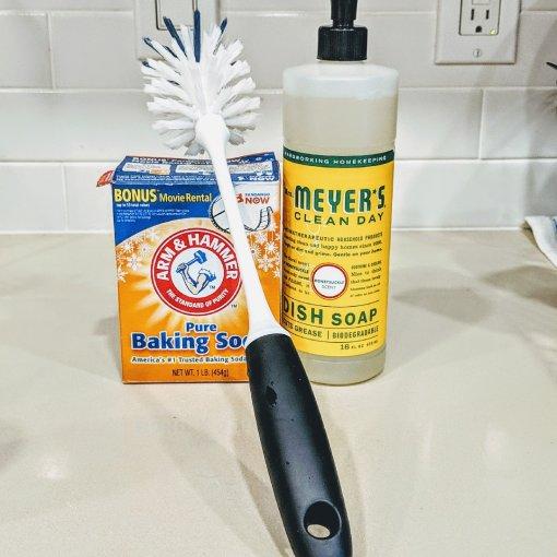 #保温杯要用不鏽钢专用洗剂?你只需要洗碗精+苏打粉就够!