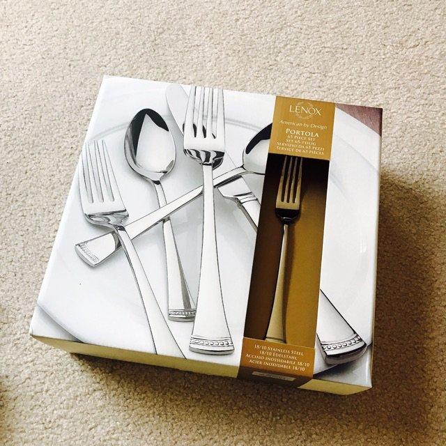 Lenox餐具套装<br /> 在...