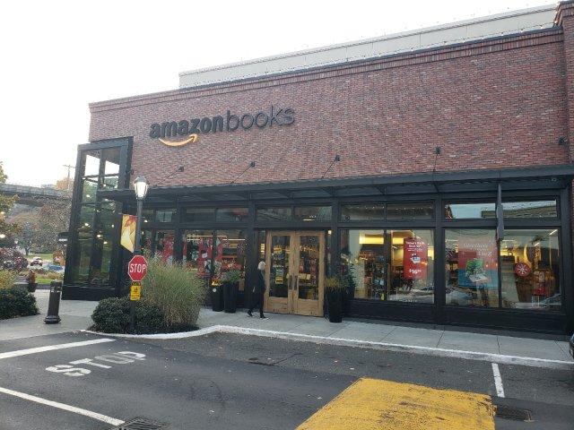 Amazon第一家线下实体书店