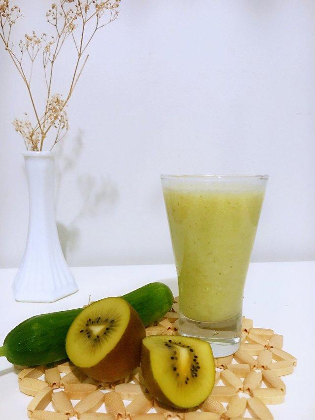 是日鲜榨:奇异果黄瓜汁