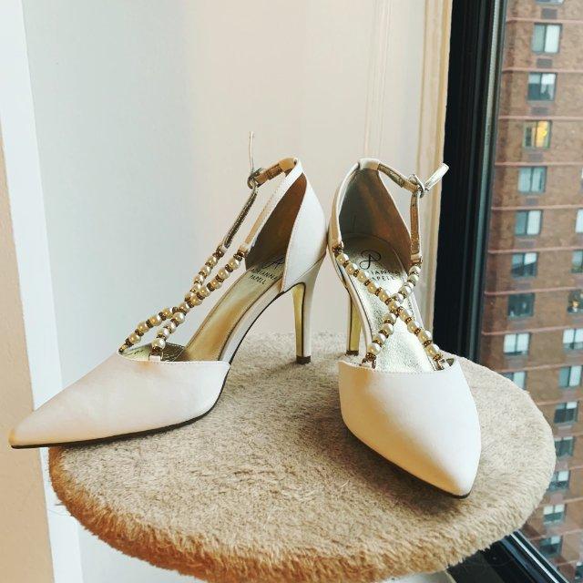 平价版RC婚鞋:小众优雅的Adri...