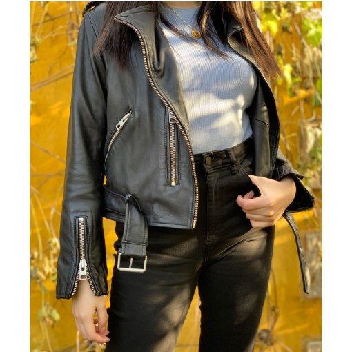 💡叮,酷女孩上线 | 黑皮衣与莫兰迪色系的碰撞