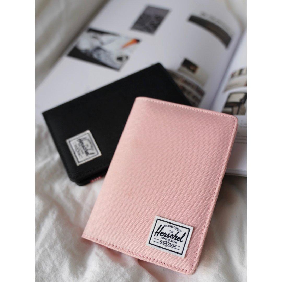 情侣旅行必备单品|Herschel护照夹