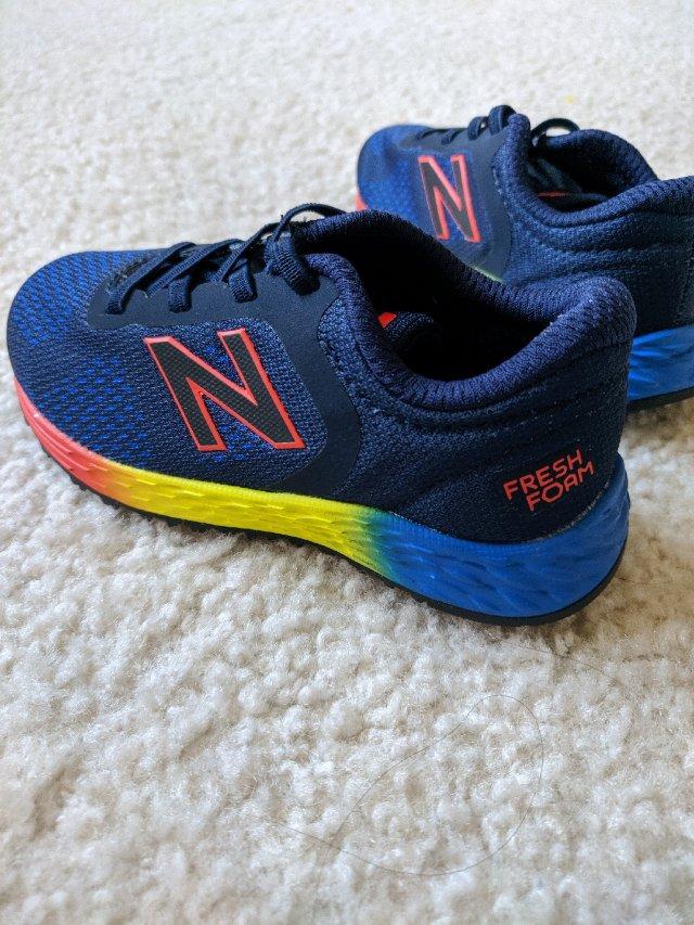 弟弟的新鞋子