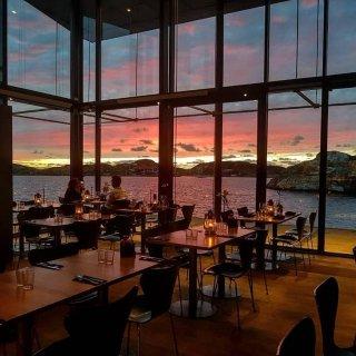 最爱的海边餐厅🌊来一份苹果雪糕吧...