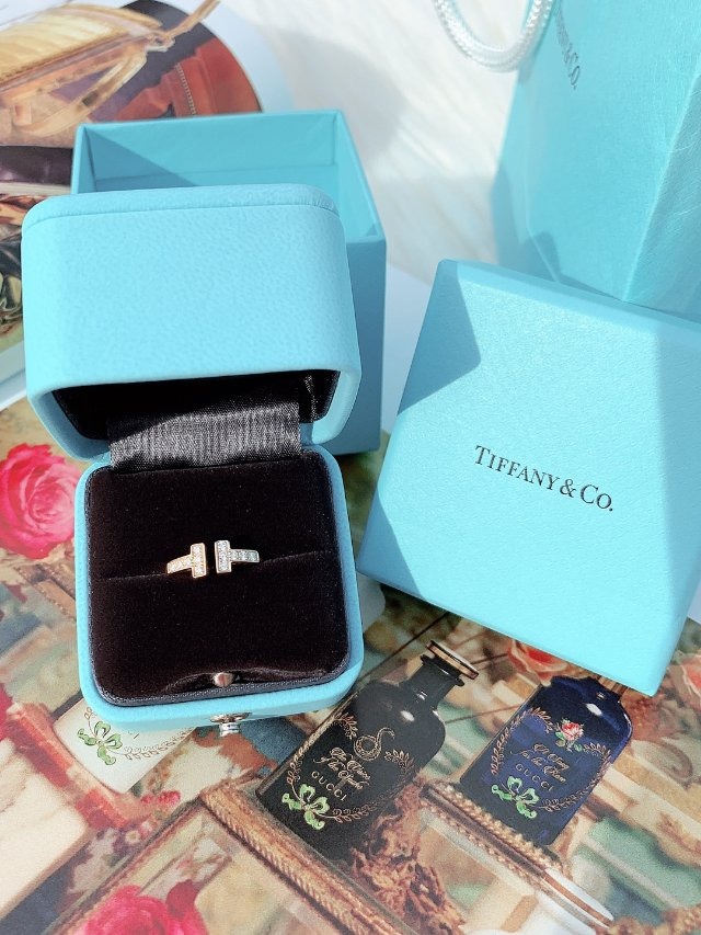 Tiffany T collect...