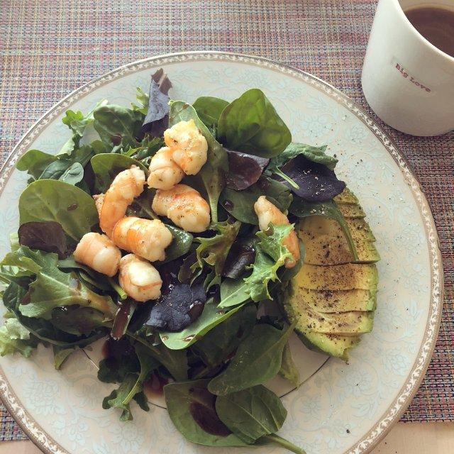 今天继续沙拉呀,芝麻菜实在太好吃了