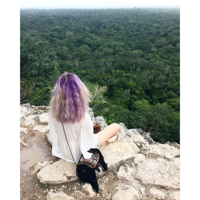 照片里的那一头紫发很是怀念啊~~<...