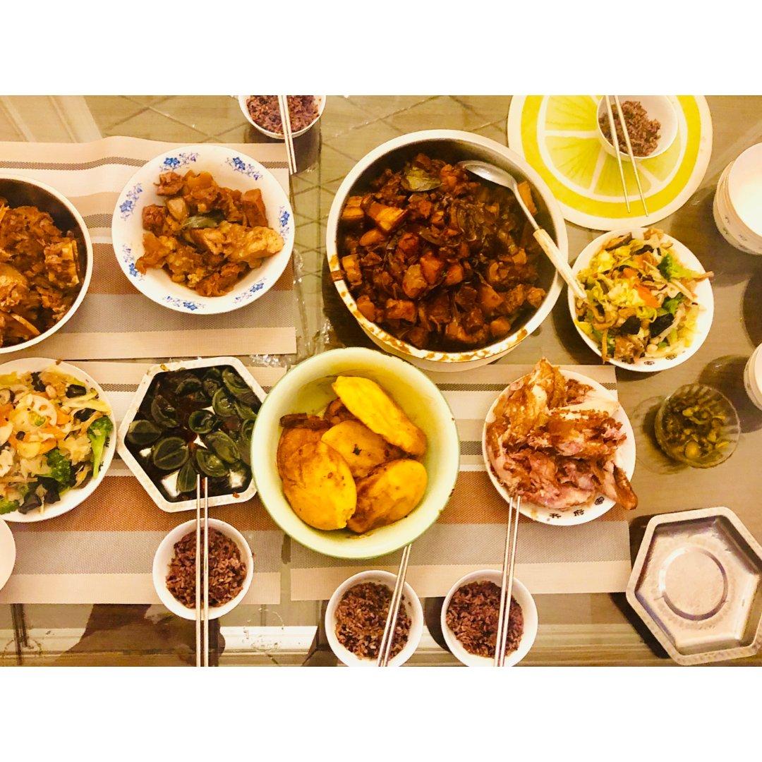 年夜饭吃什么 | 北方大家庭的团圆饭