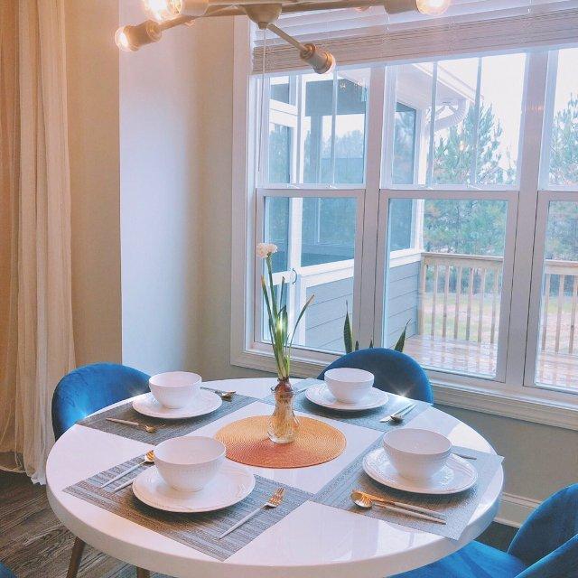 蓝色+金色为主调的早餐厅!