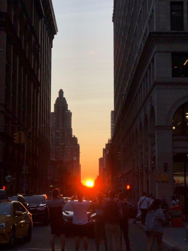 一年两次的 悬日Manhattan...