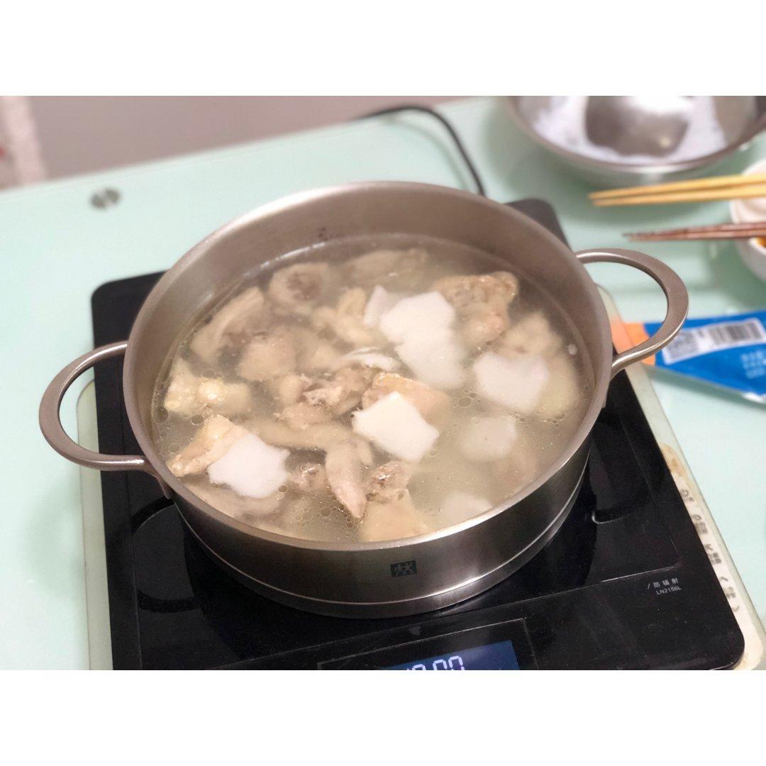 冬天暖暖的吃顿椰子鸡火锅🥥