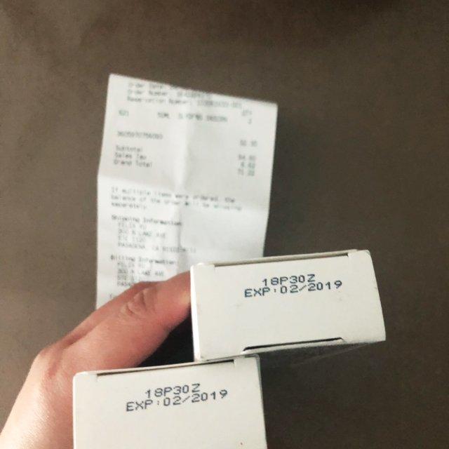 梅西买的两个科颜氏矿物防晒乳液,4...