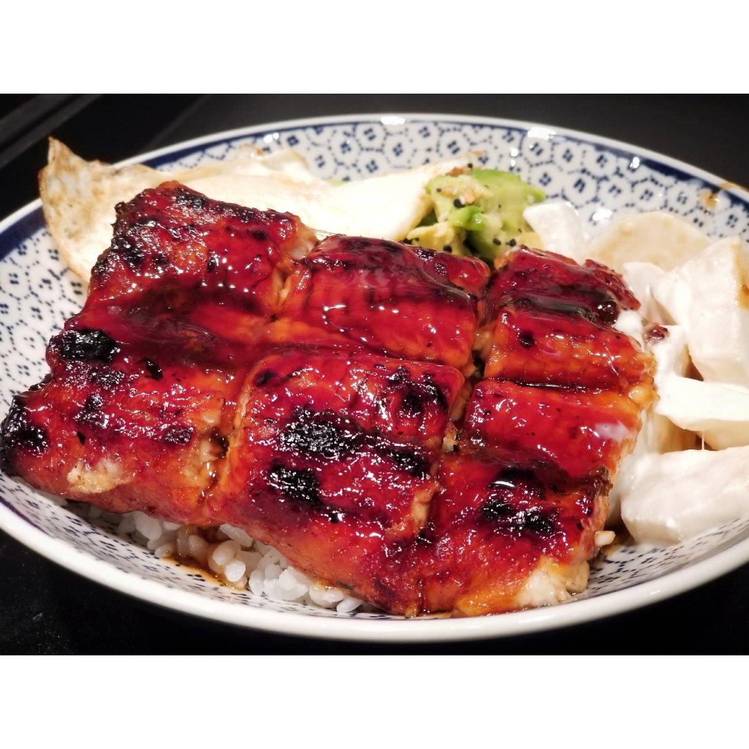 【一日三餐吃什麼】來一碗鰻魚飯吧!