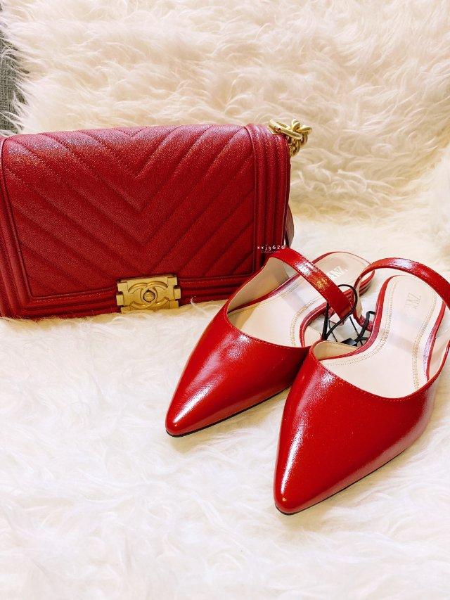 包鞋一个色——红