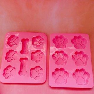 粉粉的汪星人零食制作模具。...