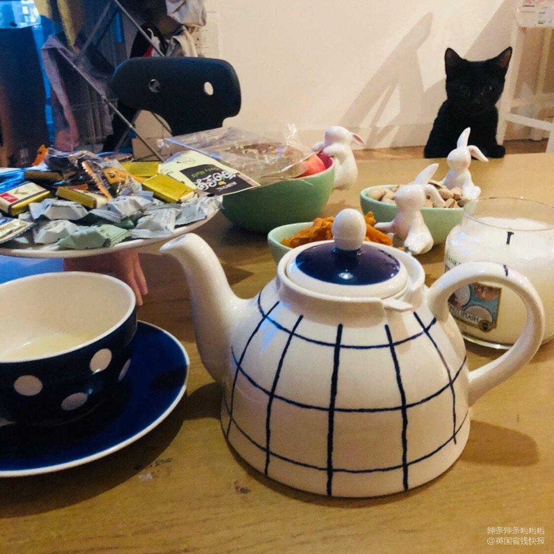 相册里的生活一角好像都是吃的和猫..