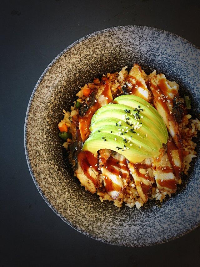 ✨日式料理 | 牛油果鳗鱼炒饭✨