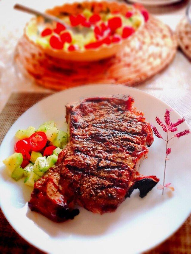 周末的牛排🥩套餐🤗自己动手丰衣足食🥩🥗🍻