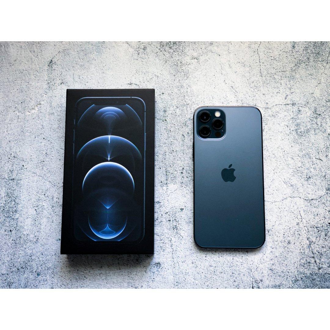 【开箱】iPhone 12 Pro...