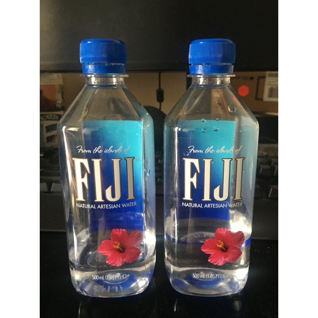 Fuji Water 瓶装水