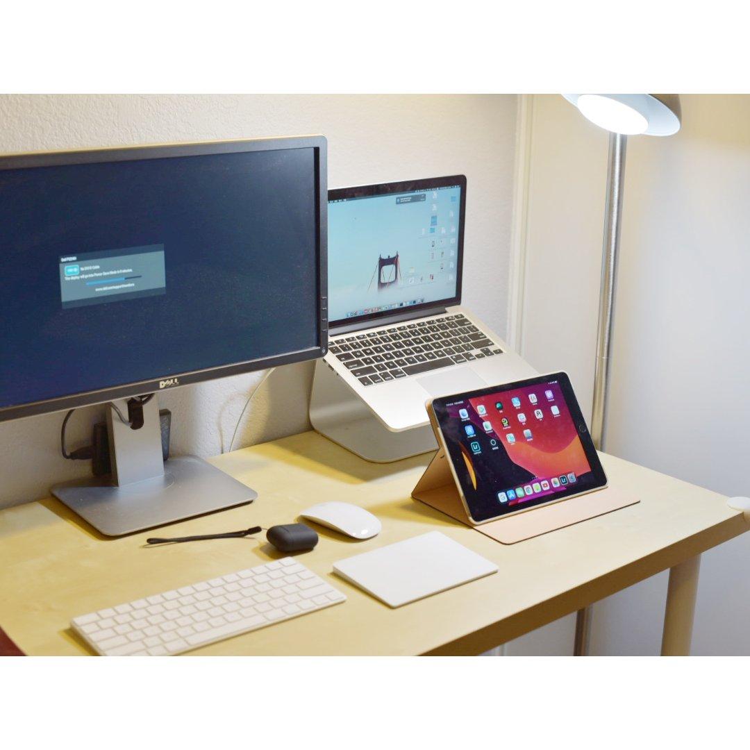 电脑桌|很多东西的电脑桌...