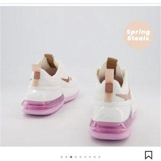 买到了心仪的Nike运动鞋...