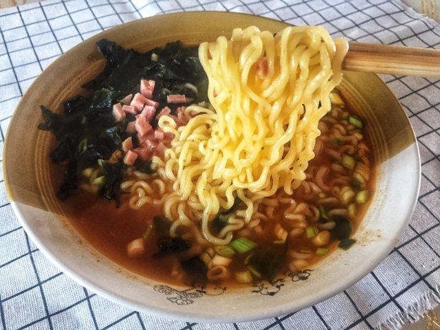 鼠年泡面大赏之韩国泡菜拉面🍜