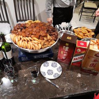顶级盆菜+好酒+好友=2020年初七人日...