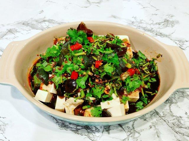 晚餐小饭桌:超级偷懒版皮蛋豆腐