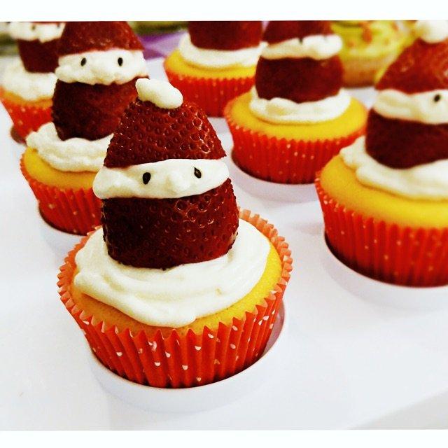 戚风底的cupcake~~~在下厨...