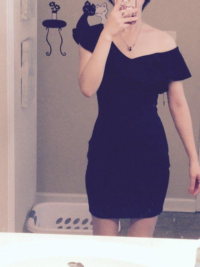 这条裙子购于Macy's ,是来自...