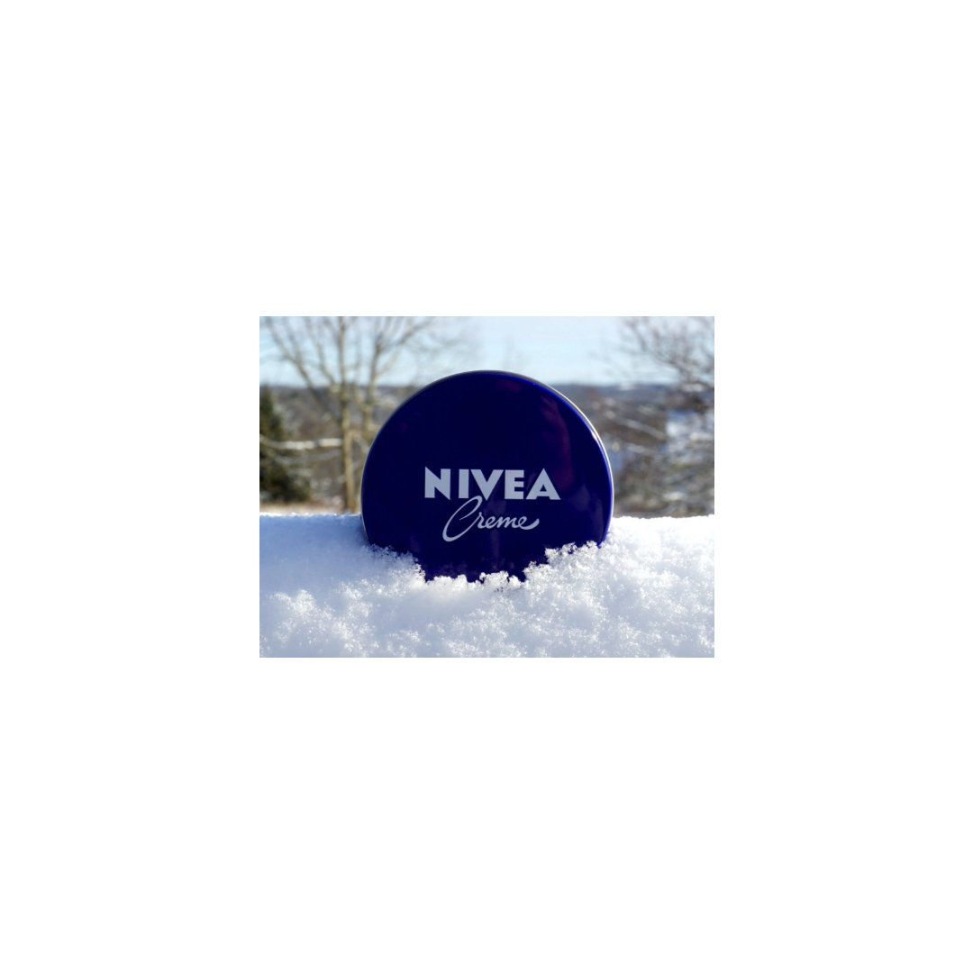 Nivea 蓝罐:经典厚实滋润全身都能用...