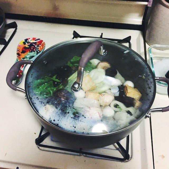 最近突然想吃火锅了,然而也没人陪我...