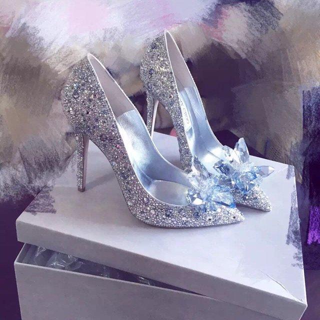 嗯、当初预定就是当婚鞋预定的!找的...