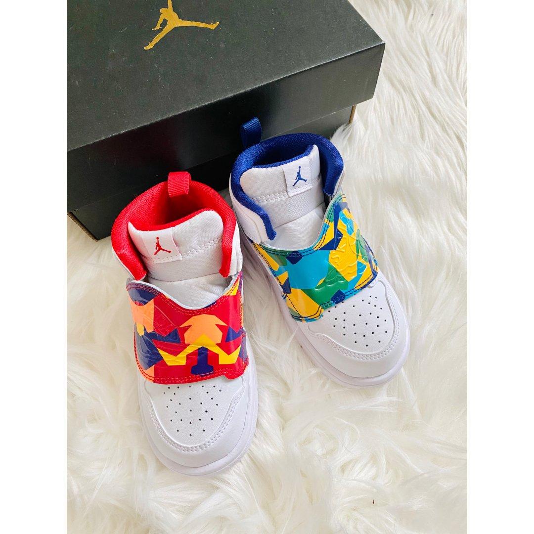 宝宝新鞋👟不对称的花哨AJ