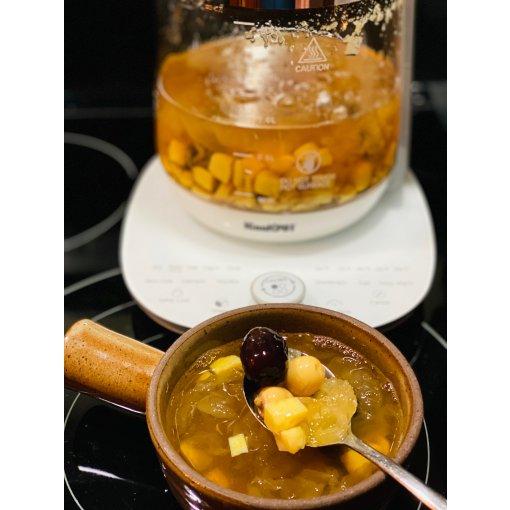 养生壶食谱系列:暖胃的银耳莲子红枣糖水