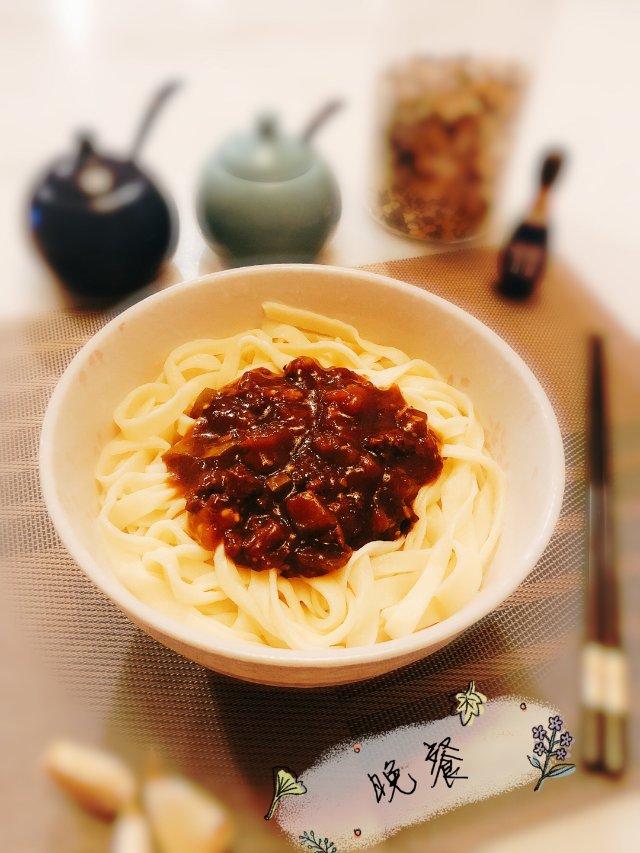 #昨日份晚餐# 🍜茄丁肉末手擀面٩😍۶