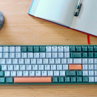 🥑牛油果配色机械键盘IQUNIX...